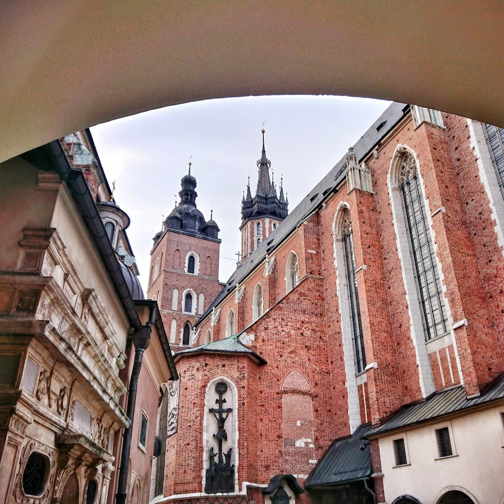 Widok na Kościół Mariacki od południowego wschodu