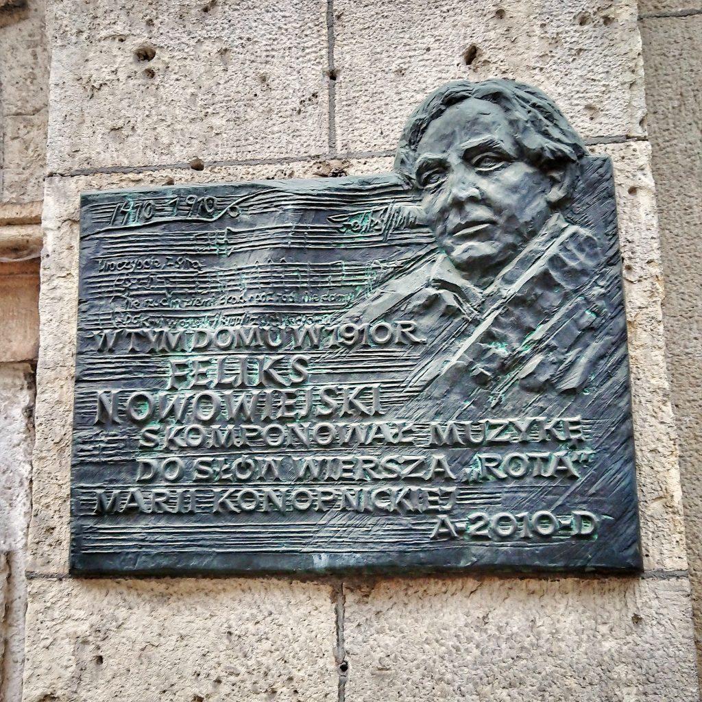Tablica upamiętniająca miejsce napisania melodii do Roty.