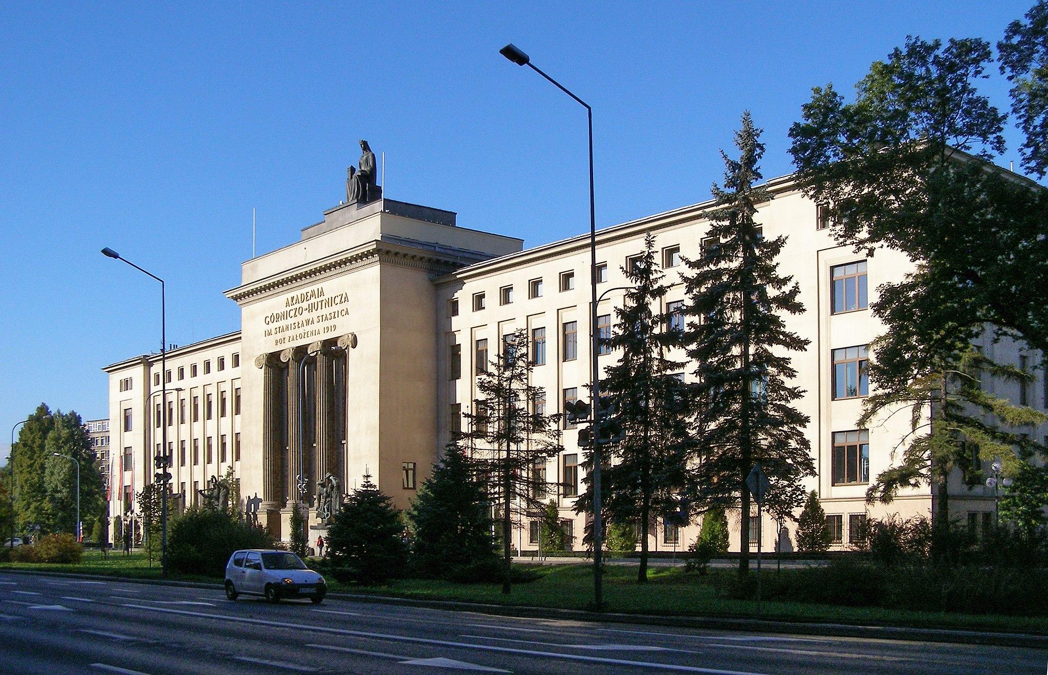 Autor zdjęć: Andrzej Otrębski Źródło zdjęć: https://pl.wikipedia.org/wiki/Akademia_Górniczo-Hutnicza_im._Stanisława_Staszica_w_Krakowie